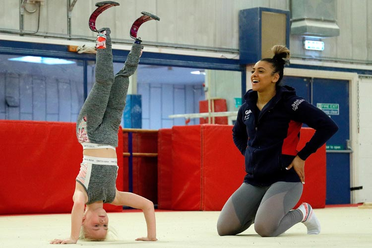 Inspirational 8-year-old double amputee meets Ellie Downie
