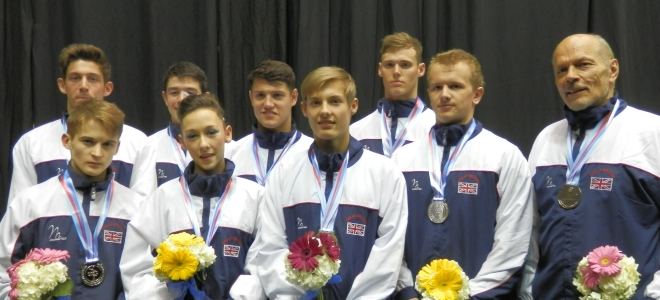 GBR Acro team with World silver medal